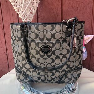 NWOT Coach black signature Shoulder bag F18917
